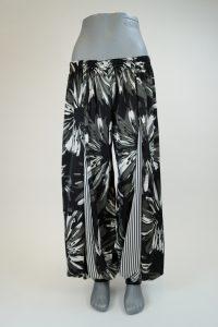 Pantaloon-Flowers-and-Stripes-lang